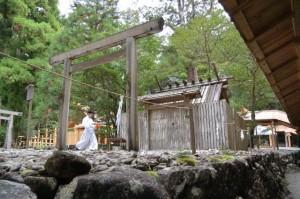 この後、遷宮諸祭儀、遷御が斎行される長由介神社(川島神社を同座)の現社