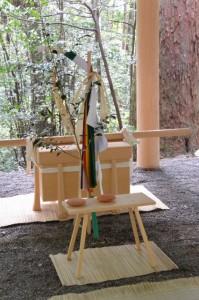 所管社の遷宮諸祭儀のため修祓所に準備された辛櫃など(瀧原宮)