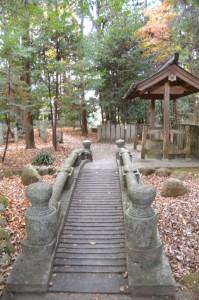 積田神社、鏡池社遥拝所への参道(名張市夏見)