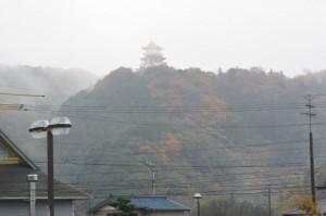 安土城(伊勢安土桃山文化村)の遠望