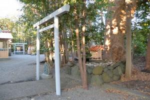 御遷座の準備が進む橘神社(伊勢市黒瀬町)