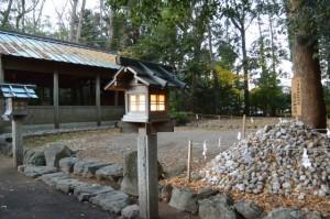 河邊七種神社のお白石奉安所(伊勢市河崎)