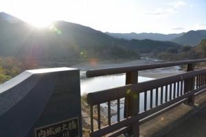 内城田大橋から望む宮川の下流側、一之瀬川との合流点