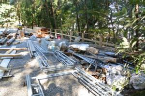旧殿舎が解体された佐美長神社