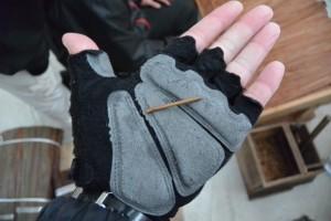 檜皮葺きに使用される竹釘(斎宮復元建物工事見学会)