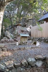 仙宮神社、本殿脇の祠(南伊勢町河内)