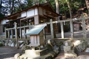 内城田神社、耳の神(度会町棚橋)