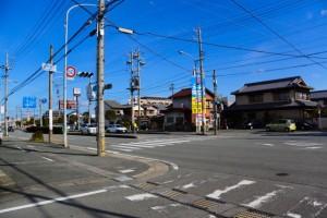 川井町3交差点、伊勢-5(1677)
