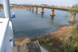 宮川橋(宮川)から望む桜の渡し跡(右岸)付近