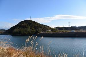 五十鈴川左岸から望む対岸の鏡宮神社付近