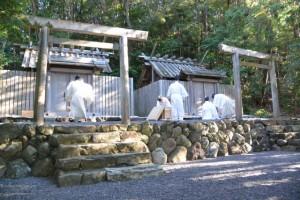 元始祭の準備(朝熊御前神社・朝熊神社、共に皇大神宮摂社)