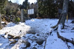二十二町町石が立つ朝熊峠(朝熊岳道、宇治岳道)