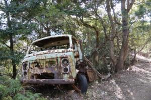 宇治岳道に今も残されている車