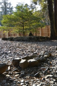 古殿地にある興玉神、宮比神のための石畳(内宮)