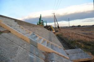 工事通行止の大湊川堤防道路を迂回