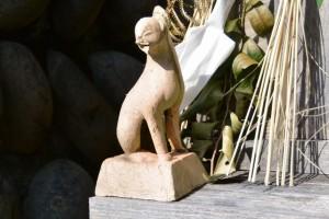 狐(?)の像(栃木バスのりば付近の祠(南伊勢町栃木竃))