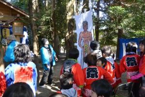 楠部町萬歳楽 鬼打ち神事の準備(櫲樟尾神社)