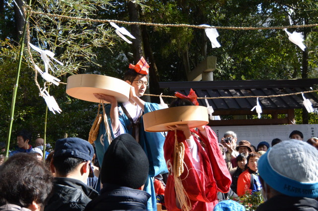 楠部町萬歳楽 豊年舞(櫲樟尾神社)