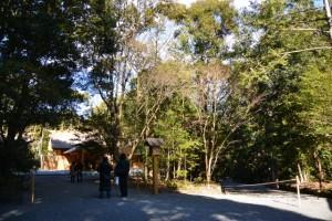 月讀宮(皇大神宮別宮)、右側は古殿地へと続く旧参道