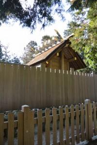 竹神社、檜皮葺の本殿(明和町斎宮)