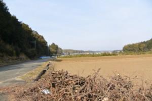 伊勢自動車道付近から山田寺方向の遠望