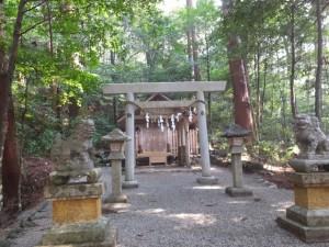 丹生中神社(丹生神社の境内社)