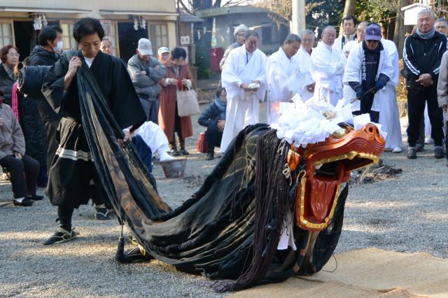 御神宝神事(お頭神事)(官舎神社)