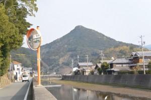 五ヶ所神社付近から遠望する五ヶ所浅間山(南伊勢町五ヶ所浦)