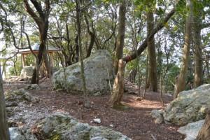 五ヶ所浅間山山頂にある大きな岩々
