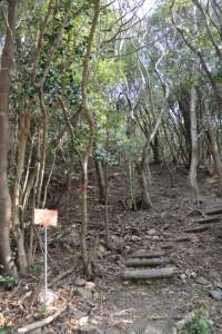 剣峠、京路山の登山口(五ヶ所街道)