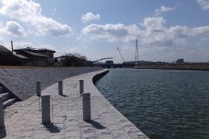 勢田川右岸、2.2kmポスト付近から上流方向へ