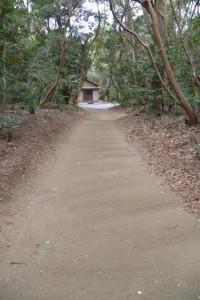 二見浦海岸側の出入口から御塩殿へ(御塩殿神社)