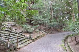 度会国玉比賣神社(豊受大神宮摂社)の石段下