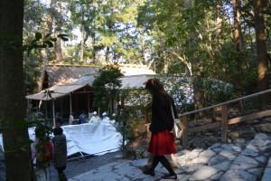 雨儀廊が準備された風宮雨儀廊に加え、奉拝席にも仮設テントが準備された風宮