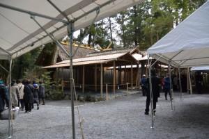 遷御に向けて奉拝者のために準備されたテント(風宮)