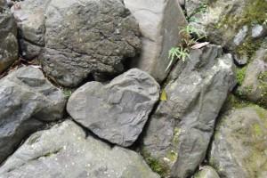 風宮の石垣に隠されていたハート型の石