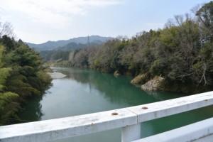 片野橋から望む櫛田川