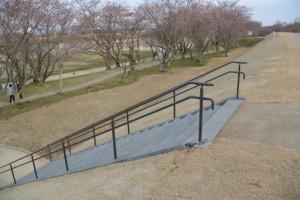 改修工事が完了した宮川堤