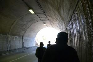 国道422号、湯谷トンネル