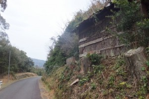 五知道(磯部岳道)の登り口から近鉄五知駅へ
