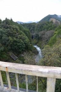 滝見橋(大内山川)から望む上流側の滝