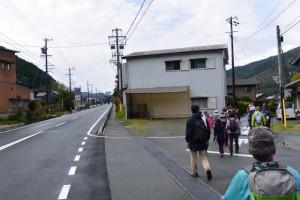 国道42号、三瀬坂峠の里登り口付近から熊野古道伊勢路へ