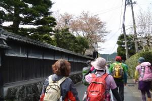 熊野古道伊勢路(瀧原宮〜JR滝原駅の案内矢印)