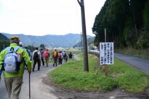 JR紀勢本線 垣内尻踏切先の分岐(左へ)
