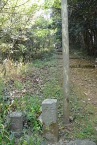 神前神社の参道入口付近