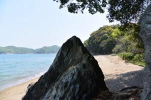 池の浦シーサイドパーク海水浴場から粟皇子神社へ