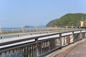 江の橋(五十鈴川派流)から望む神前海岸方向
