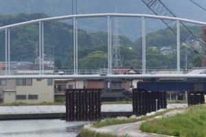 勢田大橋から遠望(勢田川水管橋架設工事)