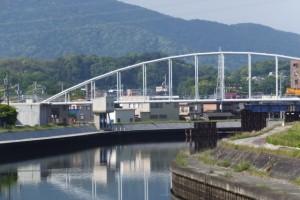 勢田大橋から望む勢田川の上流方向