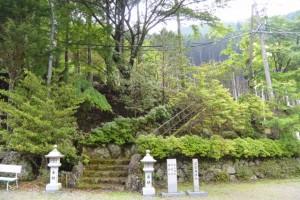 川上山若宮八幡神社、高宮遙拝所(津市美杉町川上)